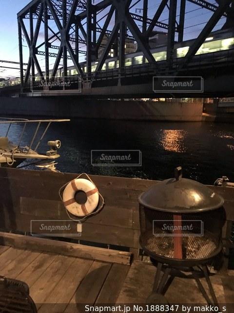 鉄橋の下の写真・画像素材[1888347]