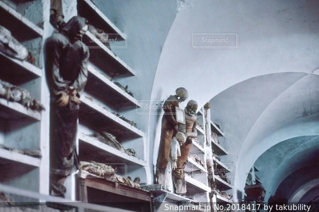 イタリア地下墓地の写真・画像素材[2018417]