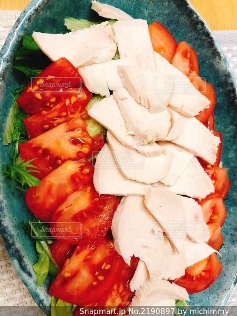 鶏ハムサラダの写真・画像素材[2190897]