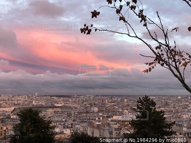 モンマルトルの丘から見下ろす街の写真・画像素材[1984296]