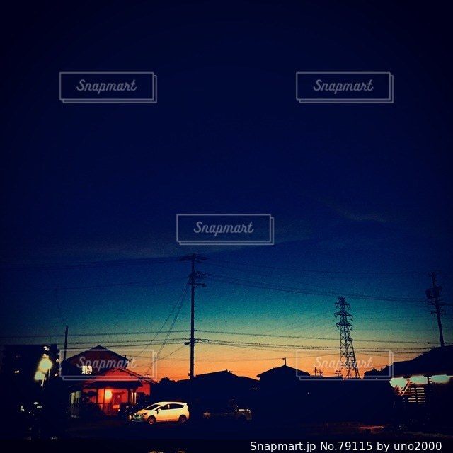No.79115 夜空と夜景
