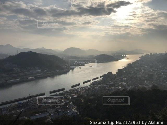 夕日と街の写真・画像素材[2173951]