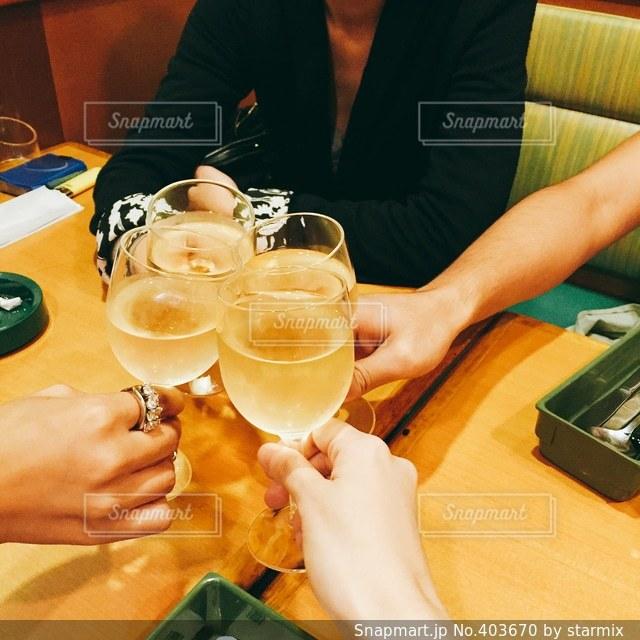 パーティ,ワイン,飲み会,ファミレス