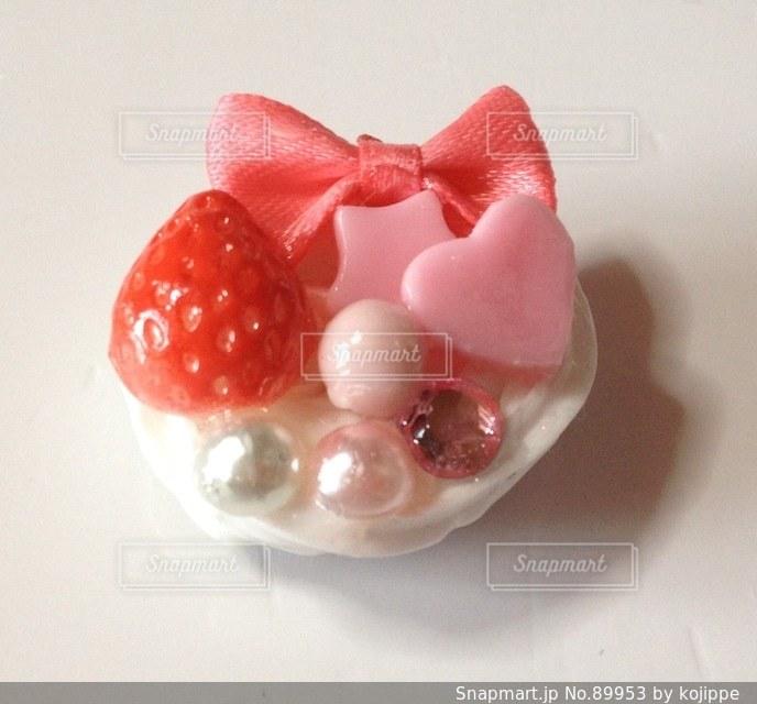 グルーガンで作るお菓子のマグネット。の写真・画像素材[89953]