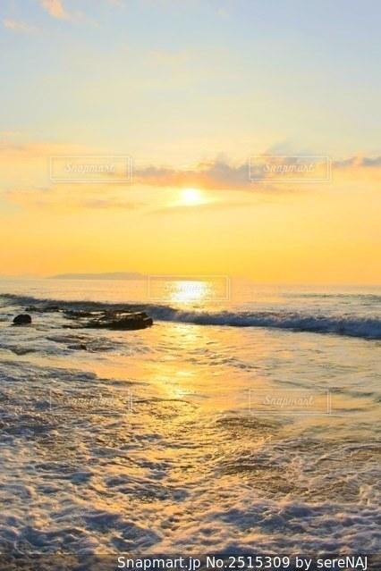 玄界灘の夕日の写真・画像素材[2515309]