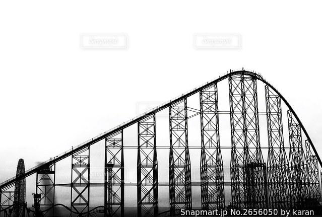 白黒ジェットコースターの写真・画像素材[2656050]