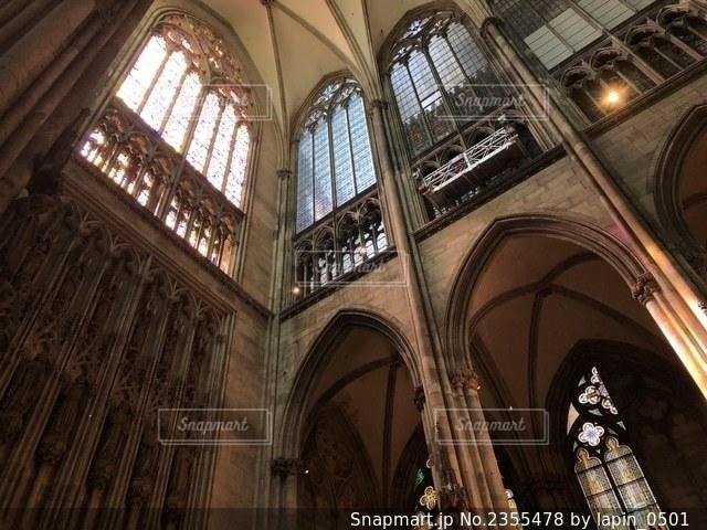 ケルン大聖堂の中の写真・画像素材[2355478]