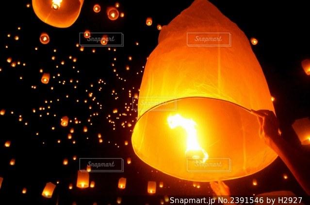 チェンマイの夜の写真・画像素材[2391546]