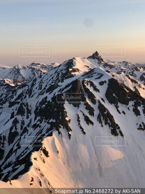 北穂高岳から槍ヶ岳を臨むの写真・画像素材[2468272]
