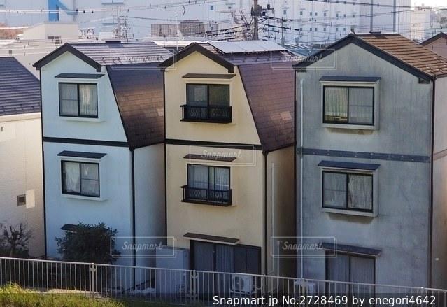 可愛い色の家々の写真・画像素材[2728469]
