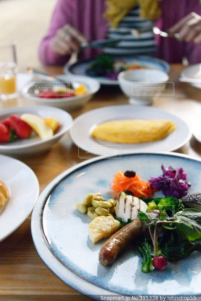 女性,食事,朝食,野菜,ごはん,美味しい,休日,友人
