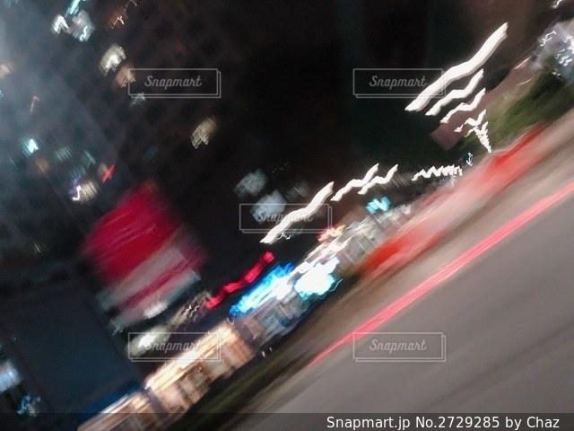 通りのぼやけたイメージの写真・画像素材[2729285]