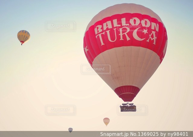 トルコの気球の写真・画像素材[1369025]