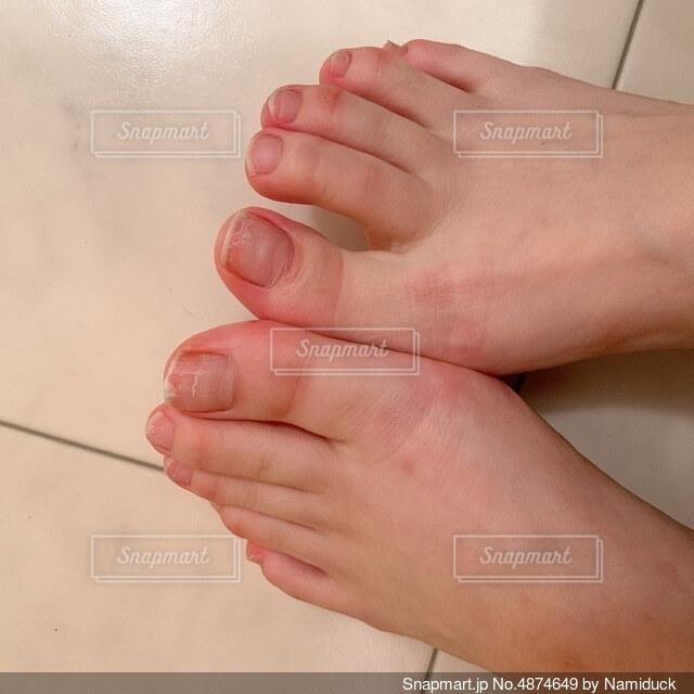 揃えた足の写真・画像素材[4874649]