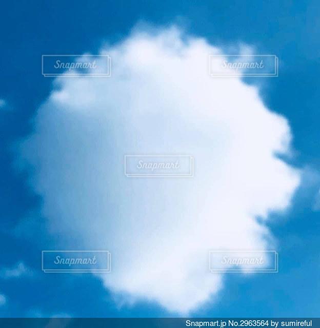 綿菓子みたいな雲の写真・画像素材[2963564]
