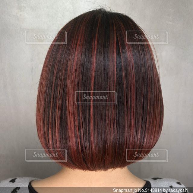 赤と黒の髪の写真・画像素材[3143814]
