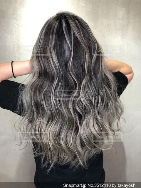 髪の写真・画像素材[3512410]