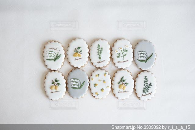 季節の花のアイシングクッキーの写真・画像素材[3303092]
