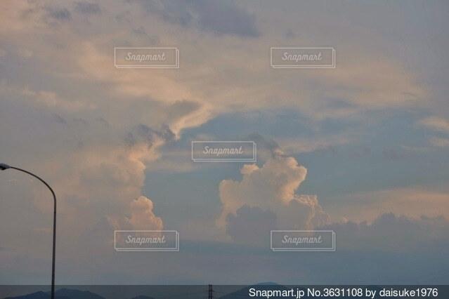 空の雲の群の写真・画像素材[3631108]