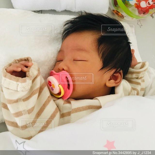 寝る おしゃぶり 大人版おしゃぶり。マウスピースをつけて寝る安心感が凄い