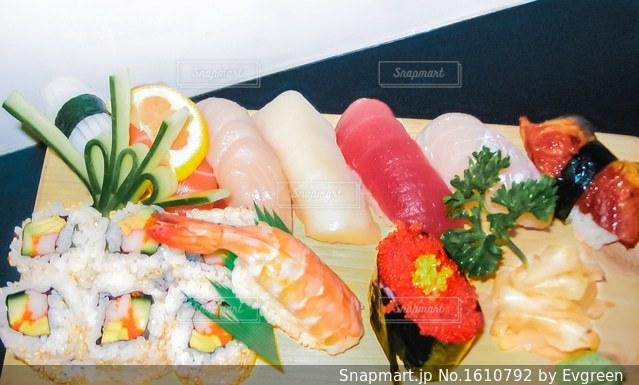 食品のプレートの写真・画像素材[1610792]