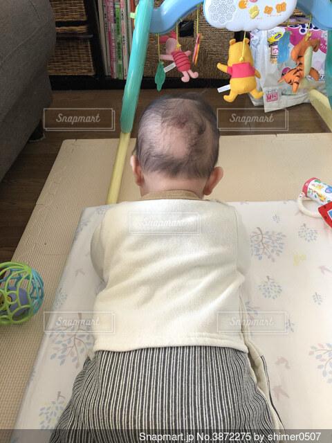 ハゲてる赤ちゃんの写真・画像素材[3872275]