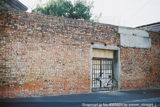 煉瓦造りの壁のクローズアップの写真・画像素材[4005924]