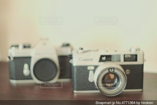 インテリア用のフィルムカメラの写真・画像素材[4771364]