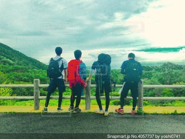 登山前の黄昏の写真・画像素材[4057737]