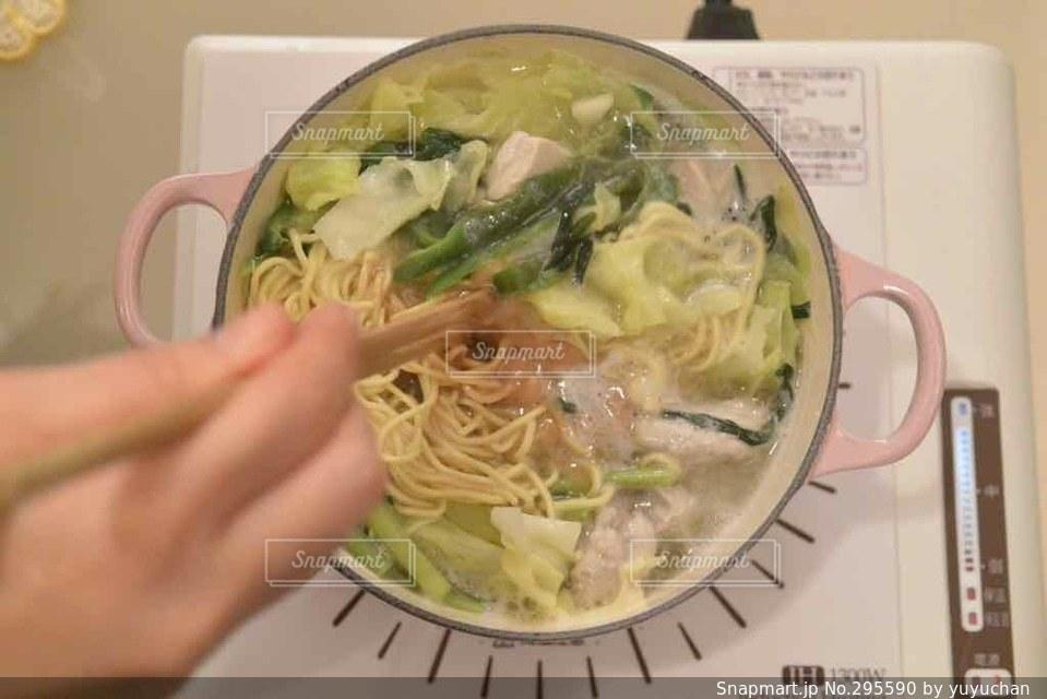 食卓,鍋,料理,ラーメン,IHコンロ