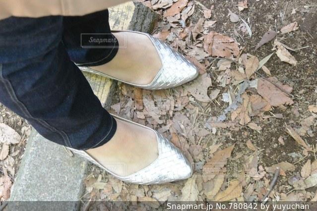 靴の壊れたペアの写真・画像素材[780842]