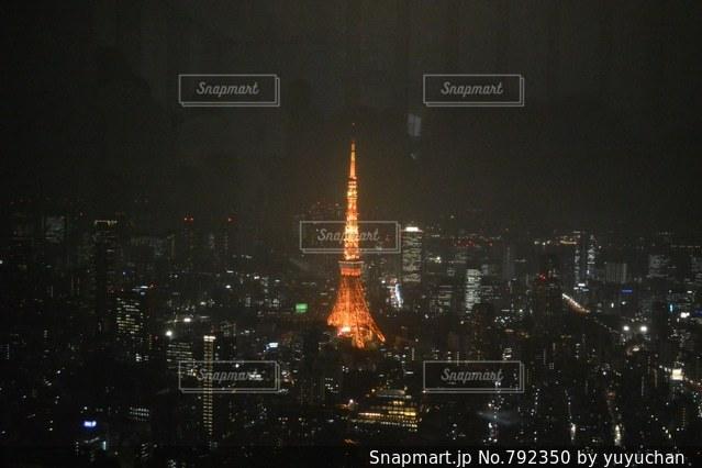 夜の街の景色の写真・画像素材[792350]