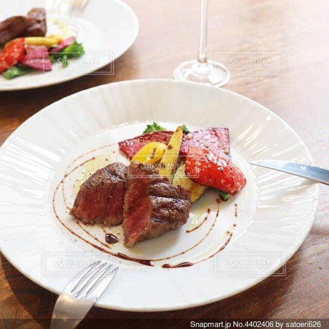 美味しそうな肉料理の写真・画像素材[4402406]