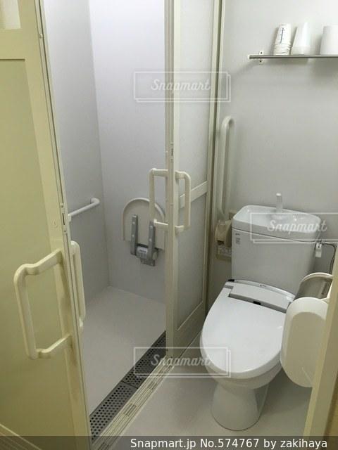 シャワーの写真・画像素材[574767]