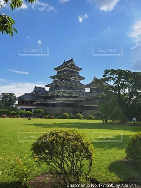 緑と青とお城の写真・画像素材[4771295]