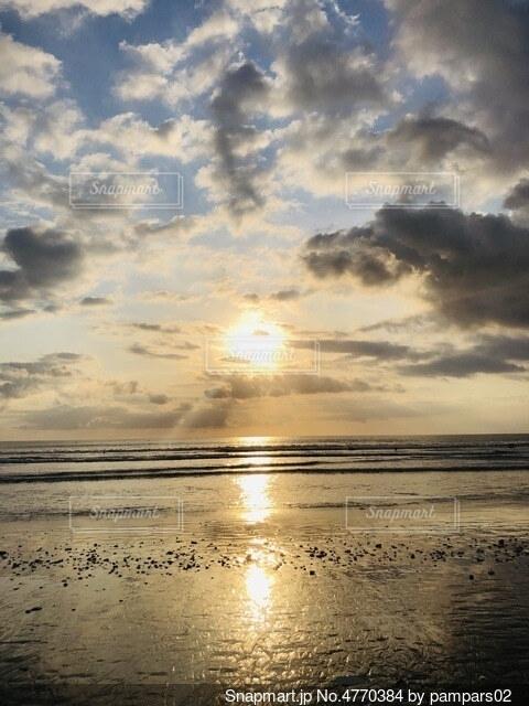 夕日の写真・画像素材[4770384]