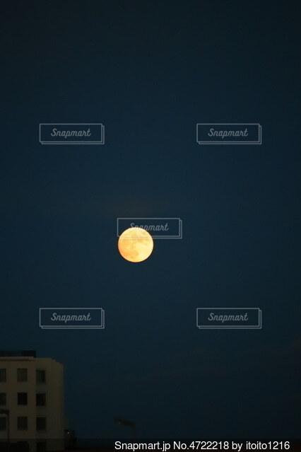 満月の写真・画像素材[4722218]