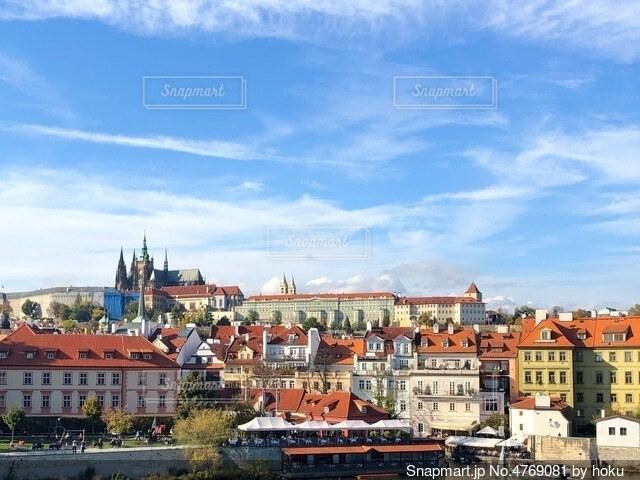 空と雲とヨーロッパの街並の写真・画像素材[4769081]