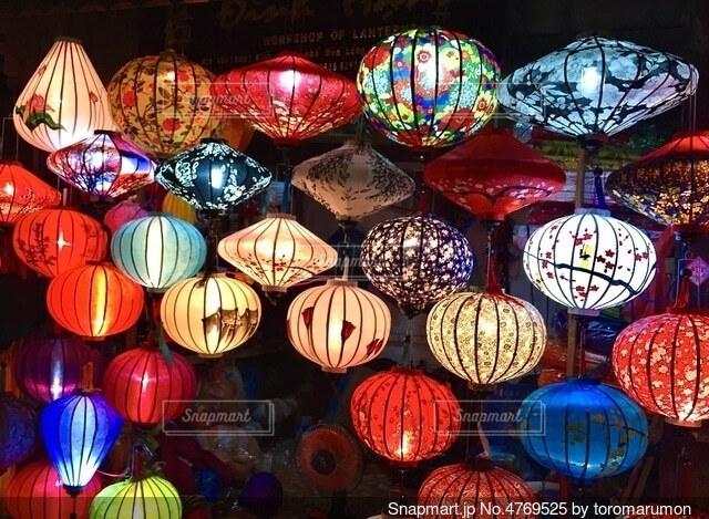 ベトナム ホイアンのカラフルなランタン祭の写真・画像素材[4769525]