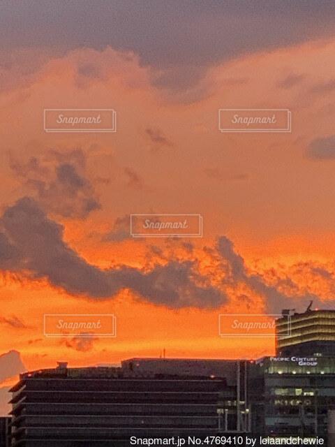 都心の朝焼けの写真・画像素材[4769410]