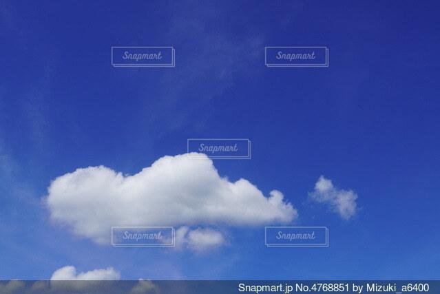 青空と雲の写真・画像素材[4768851]