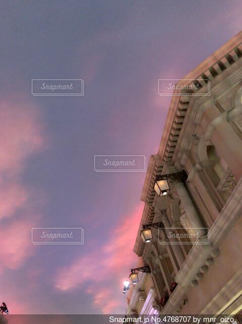 ピンクの空の写真・画像素材[4768707]