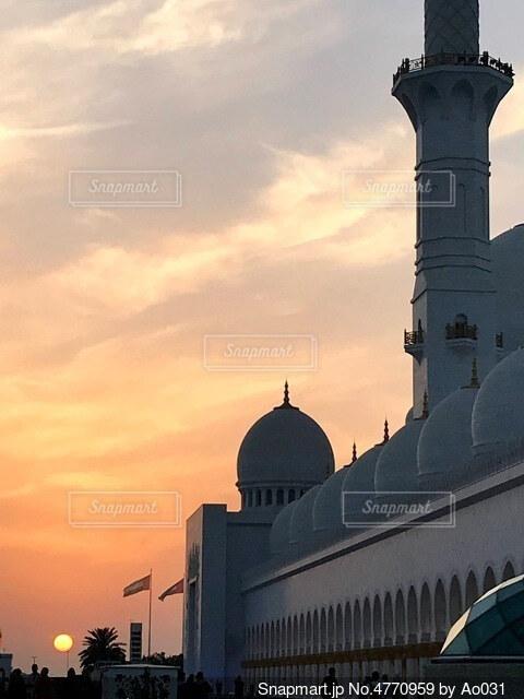 夕日とグランドモスクの写真・画像素材[4770959]