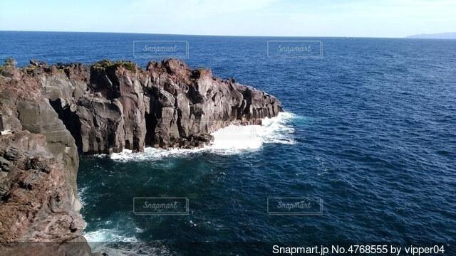海と絶壁の写真・画像素材[4768555]