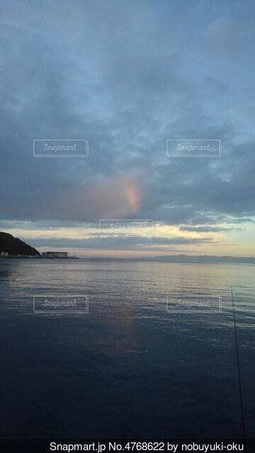 朝の虹の写真・画像素材[4768622]
