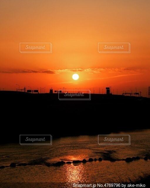 綺麗に焼けた夕暮れの写真・画像素材[4769796]