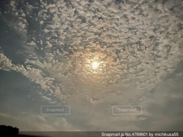 空の雲の群の写真・画像素材[4769601]