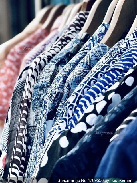 柄物の洋服の写真・画像素材[4769556]