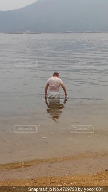海に帰っていく海坊主の写真・画像素材[4769738]