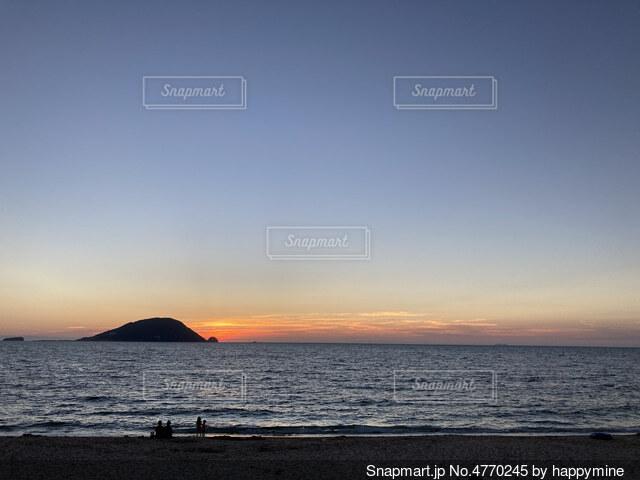 沈む夕日の写真・画像素材[4770245]